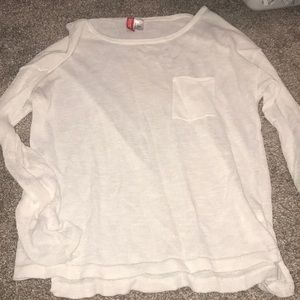 White sweater with pocket